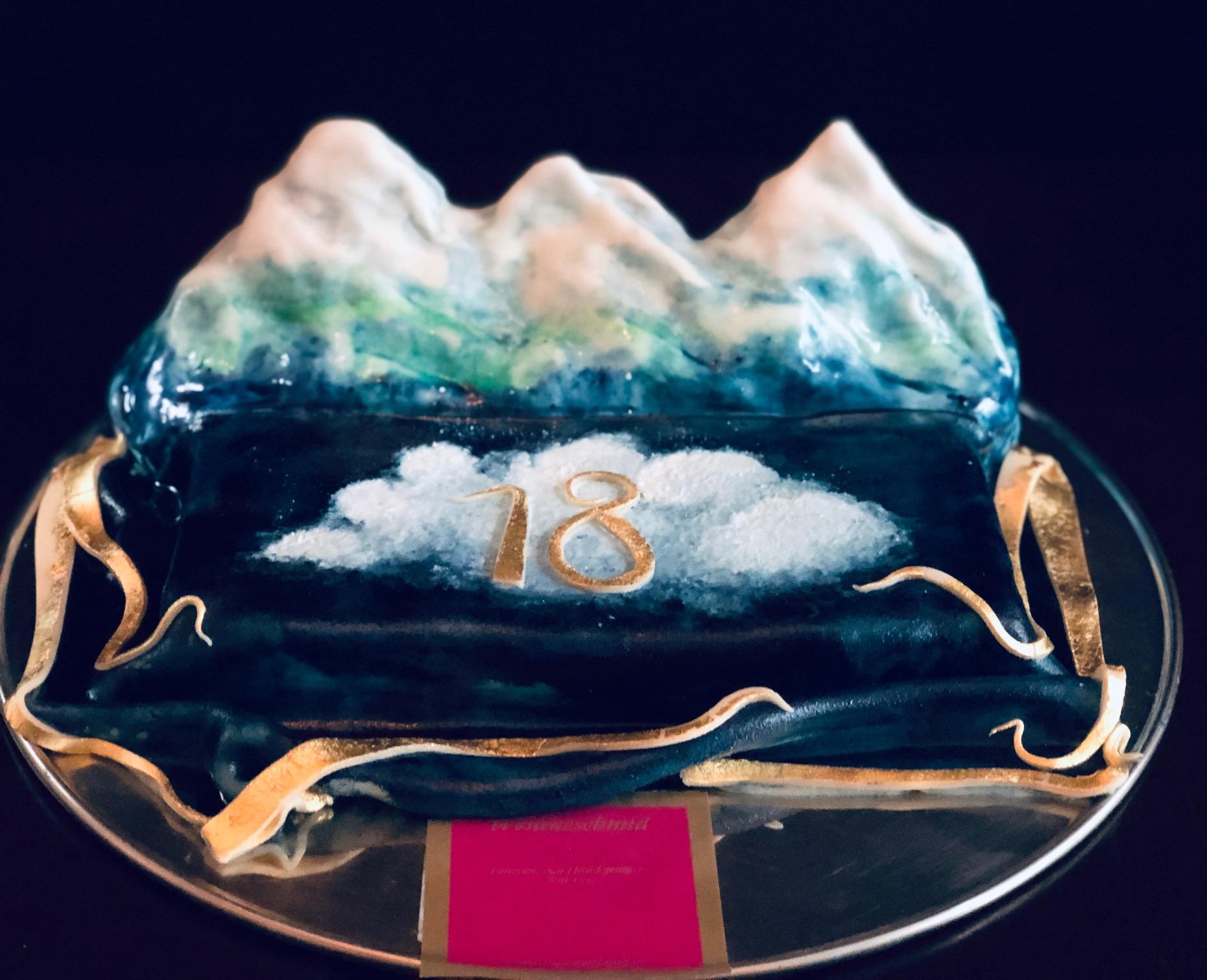 Bergtorte mit Wolke 18